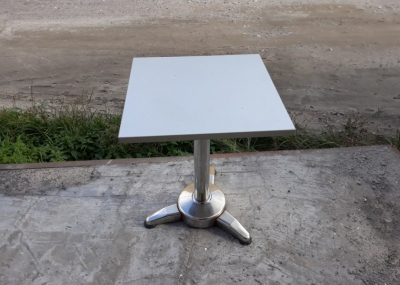 Столы бу в ресторан серые