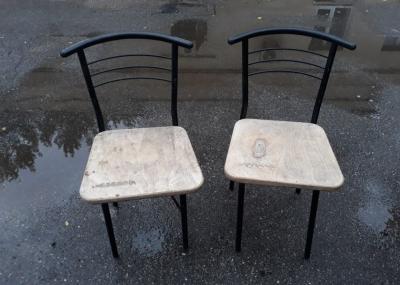 Стулья с деревянным сиденьем б.у